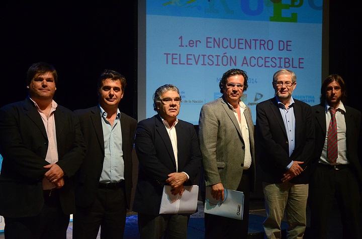 Iñigo Berazadi, Rubén D´Audia, Tomás Ibarra, Tristán Bauer, Peter Looms y Alejandro Gamboa Antunes en el cierre del Primer Encuentro de Televisión Accesible.