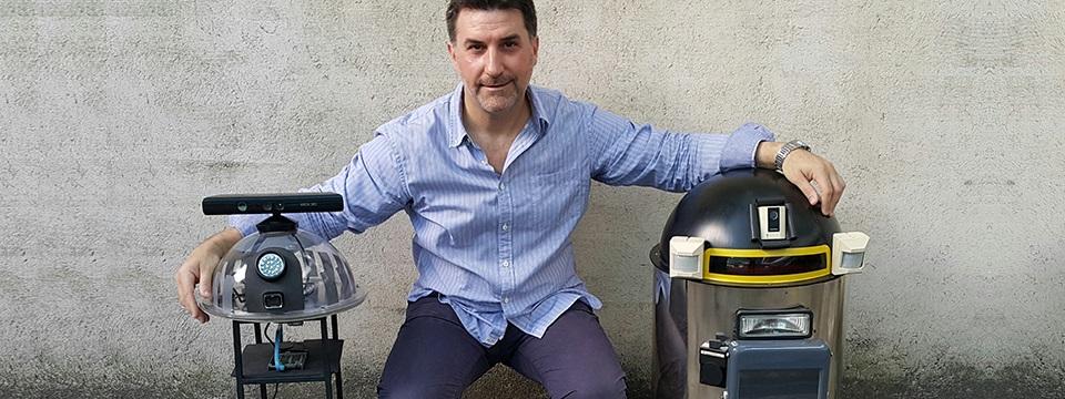 Un robot que ayuda a reciclar, enseñar y aprender